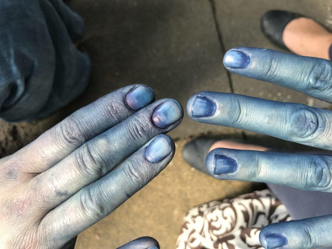 Frau Piepenkötter I Blaufärben